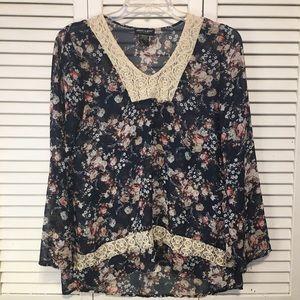 About A Girl Floral Sheer Lace Blouse Size Medium